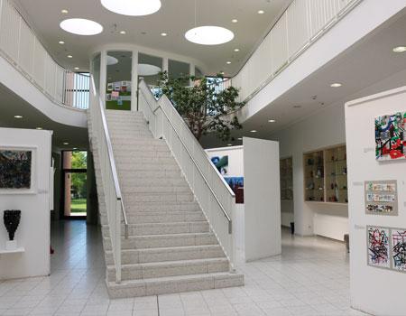 ISHR iWing Hallway