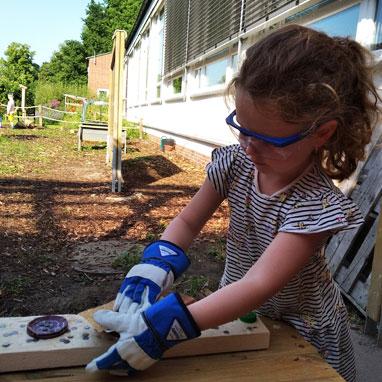 kindergarten outdoor atelier